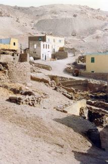 Bedawi Abu'l Qumsan house top right 1997